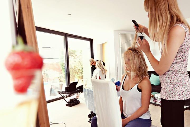 hairdresser prepare bridesmaids