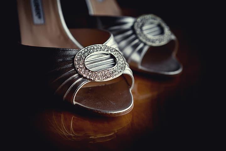 Brides shoe details