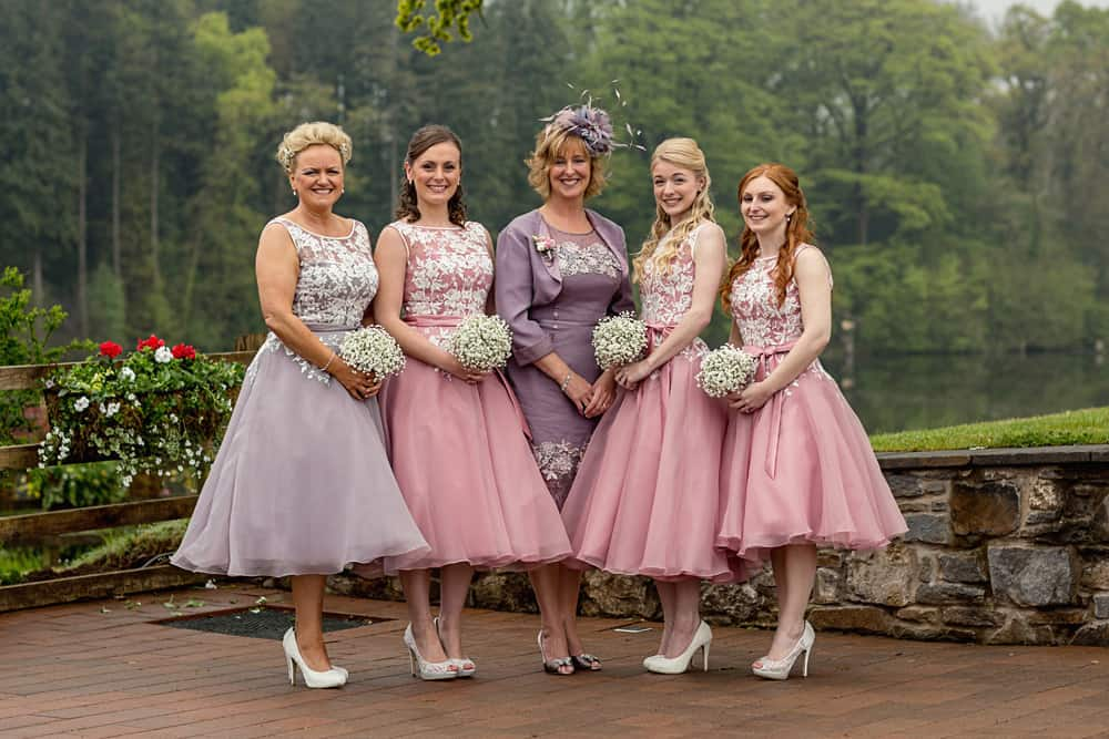 Bridesmaids arrive at Canada Lake Lodge wedding